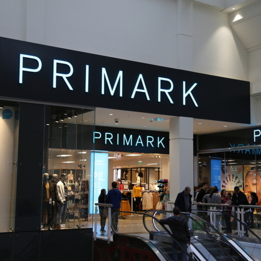 Primark si fa in tre al Fiordaliso e a Milano centro