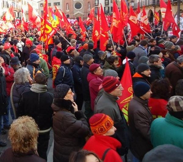 I lavoratori della distribuzione di nuovo in sciopero sabato 19
