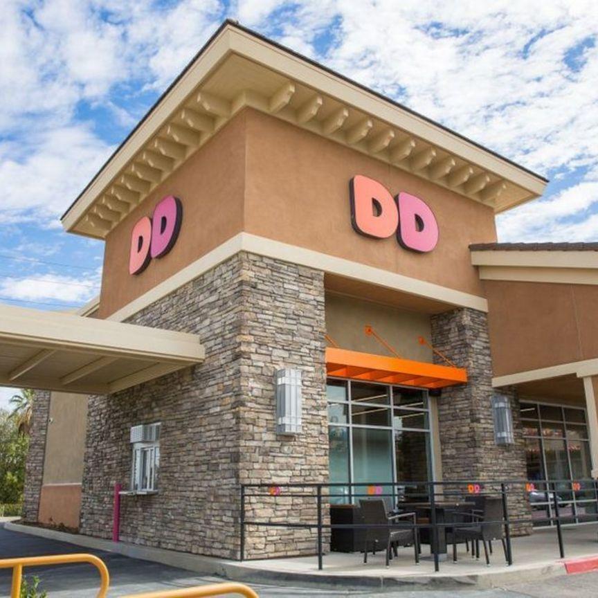 Dunkin' annuncia la chiusura di 800 locali Usa
