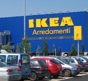 Ikea E Italia Scene Da Un Matrimonio Distribuzione Moderna