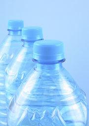 Acque minerali: una sfida a colpi di bottiglia