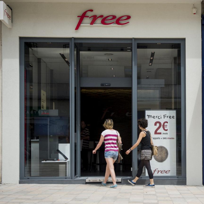 La Gdo rilancia sulla telefonia mobile con l'apertura del primo negozio Iliad
