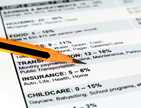 Confcommercio: 22 anni di spese tagliano la quota dei beni di consumo