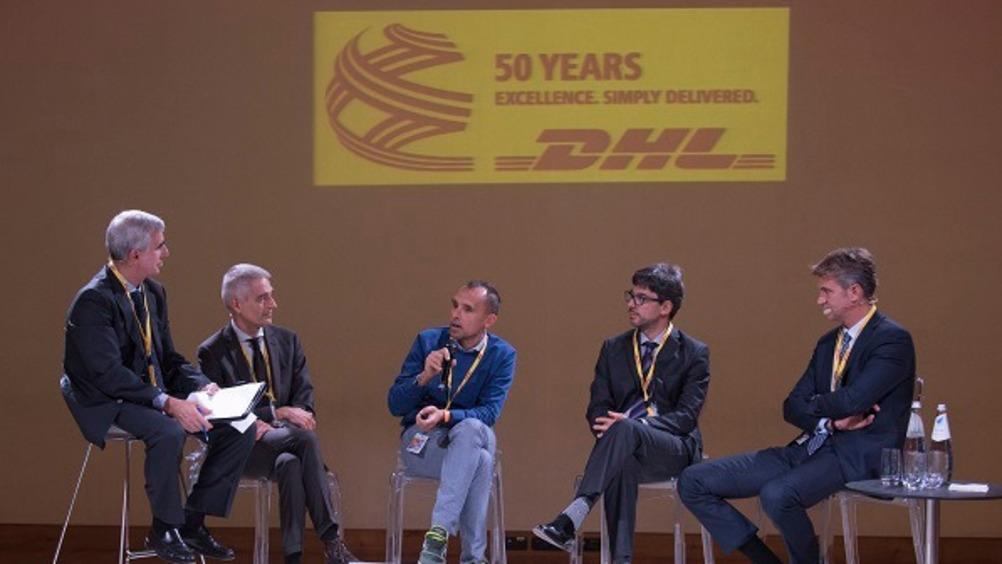 Da sinistra: Armando Brescia (Direttore Distribuzione Moderna), Gianni Piroddi (General Manager DHL), Umberto Martino (Kasanova), Enrico Vendruscolo (Media World) e Luca Manfioletti (Bain & Company).