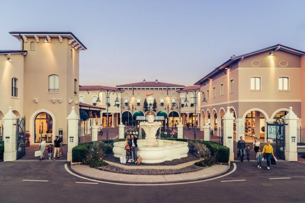 Land of Fashion sostiene l'ospedale di Mantova e la Fondazione Spedali Civili di Brescia