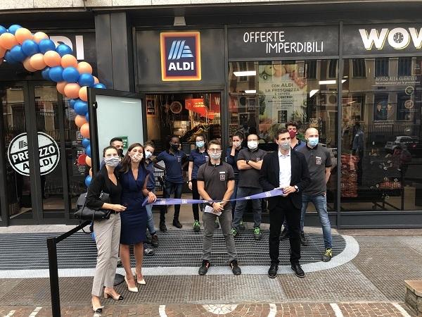 Aldi debutta a Milano con due nuovi store