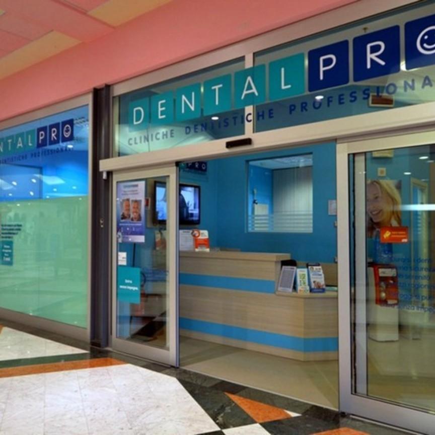 Dental Pro acquista DentalDent e si avvicina alle 100 cliniche nei centri commerciali