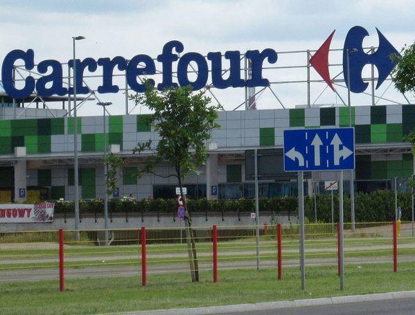 Vertenza Carrefour: gli esuberi sono 619 e interessano 32 iper su 57 totali