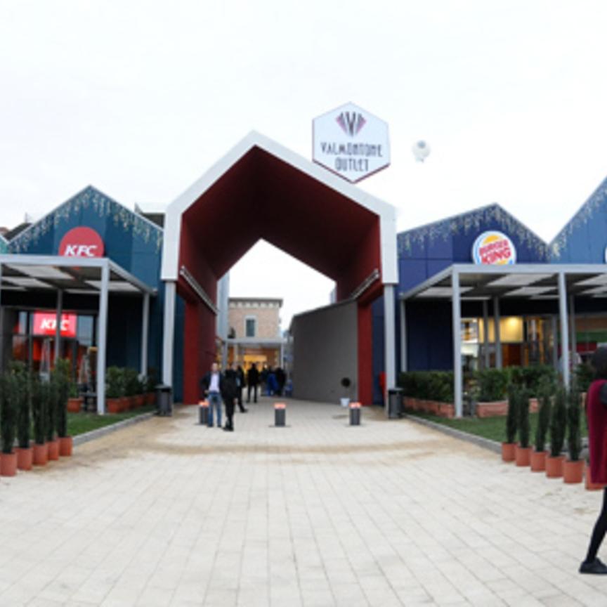 Valmontone Outlet: taglio del nastro per la nuova Food Court