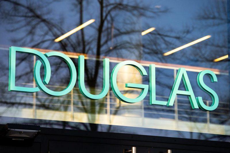 Douglas Italia chiude 128 negozi