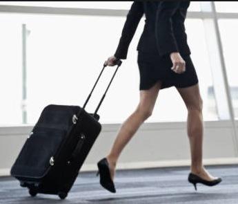 Piu' tutele per chi viaggia in aereo: nuova direttiva in arrivo dalla Ue