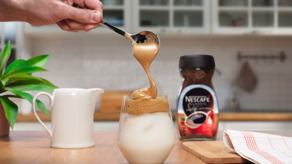 Nescafé lancia la #dalgonachallenge con una campagna social per ispirare i consumatori