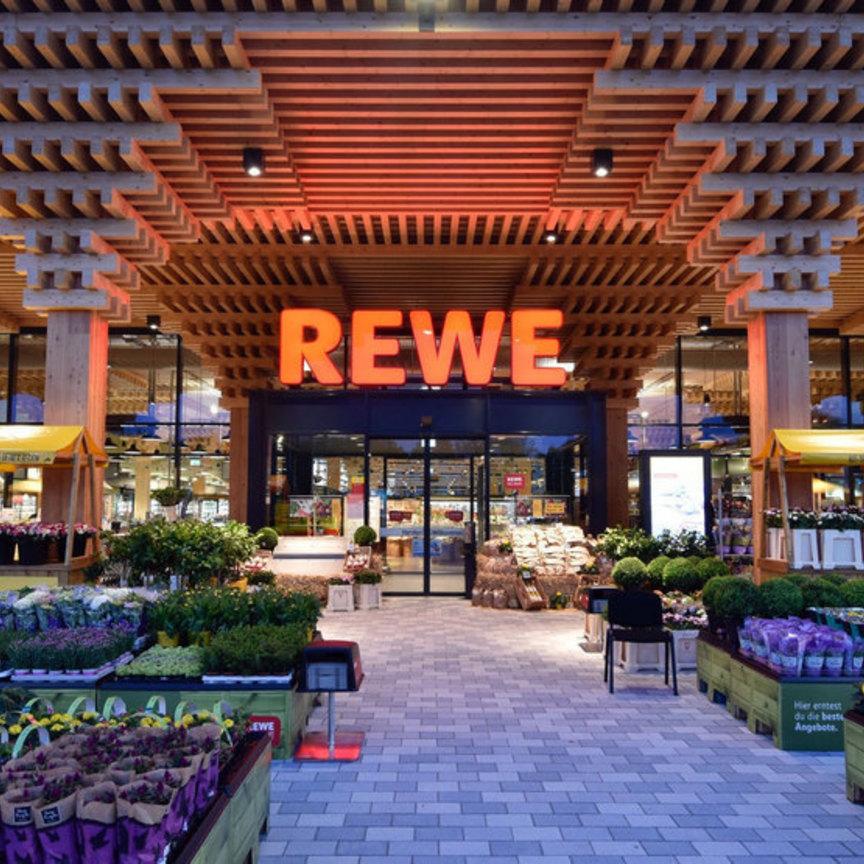 Rewe Wiesbaden: il super dove nuotano i pesci e cresce il basilico