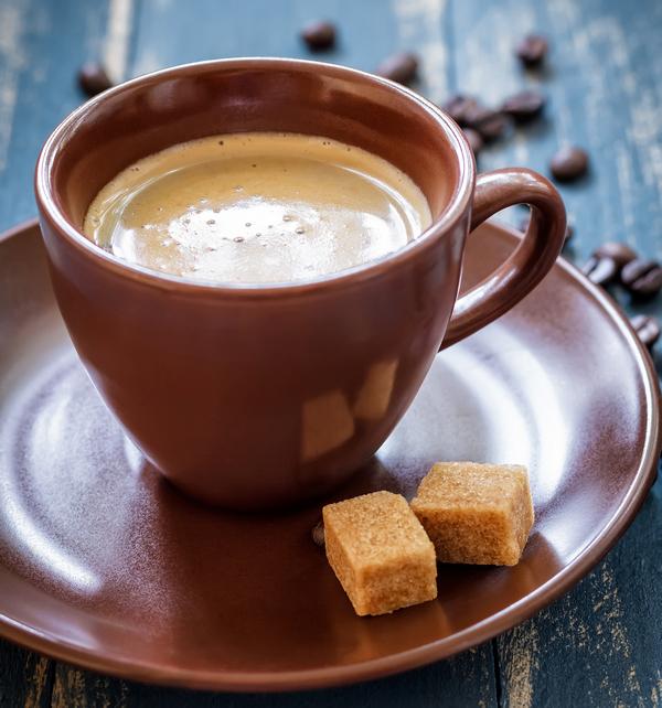 Caffè espresso: 260 euro a testa e una passione social