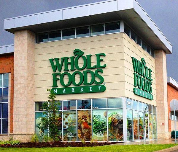 Perché Amazon si mangia Whole Foods?
