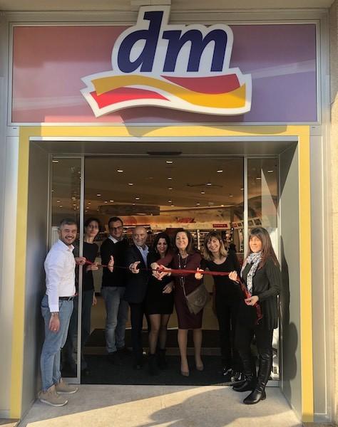 dm inaugura a Milano il quinto store
