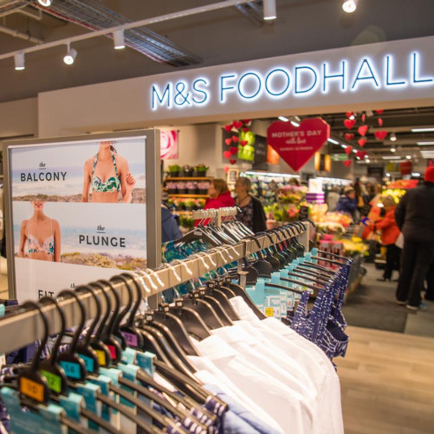 Marks & Spencer conferma la svolta alimentare