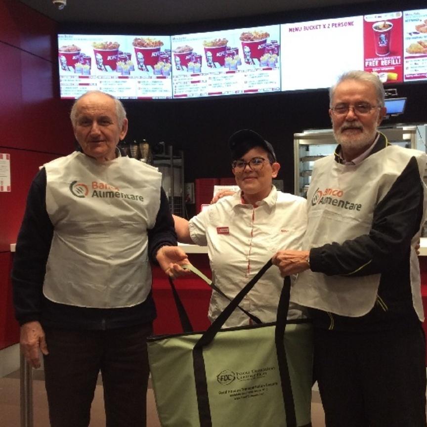 KFC porta le donazioni alimentari anche nella ristorazione