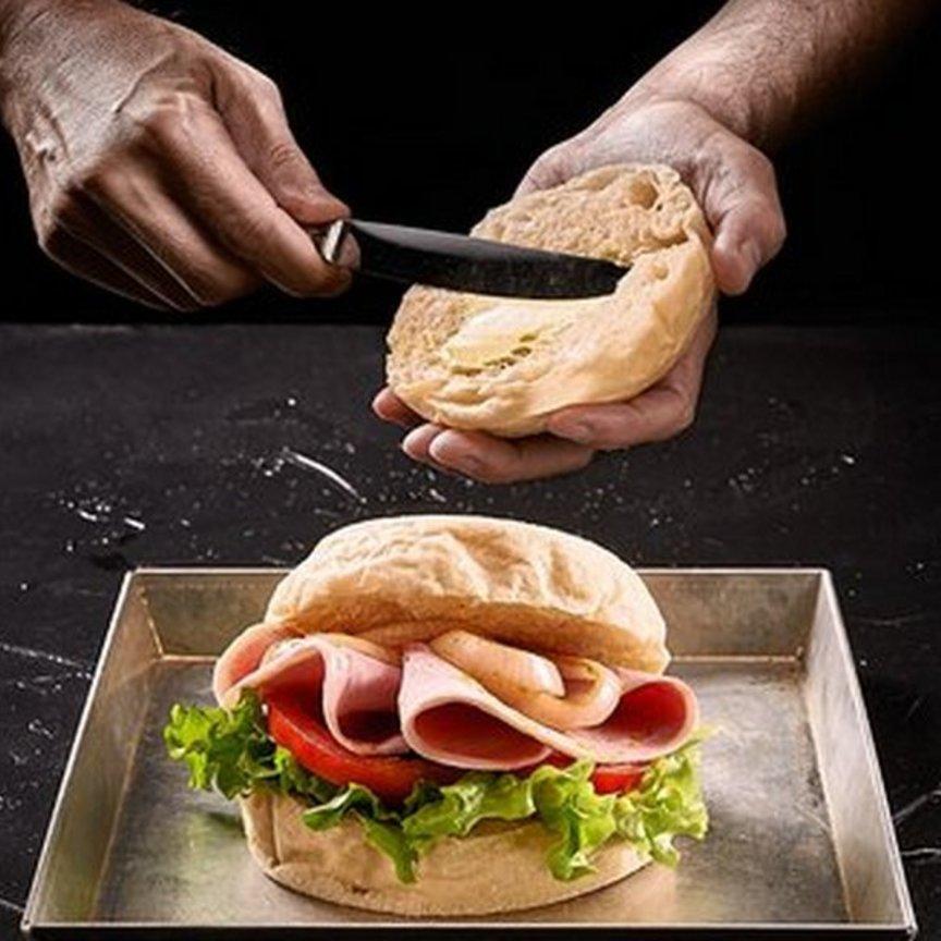 Rovagnati entra in Panbolla, il panino che cuoce in una campana di vetro
