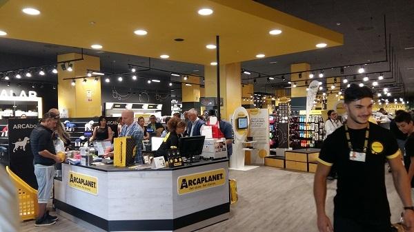 Arcaplanet si rafforza con l'inaugurazione di sette nuovi store