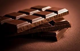 Cioccolato: crollano le praline, galoppano tavolette e fondente