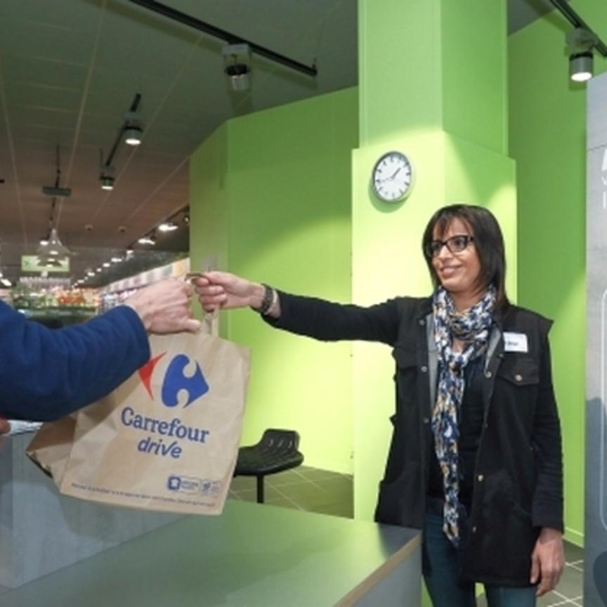 Carrefour: iper sotto casa con il 'drive piéton'
