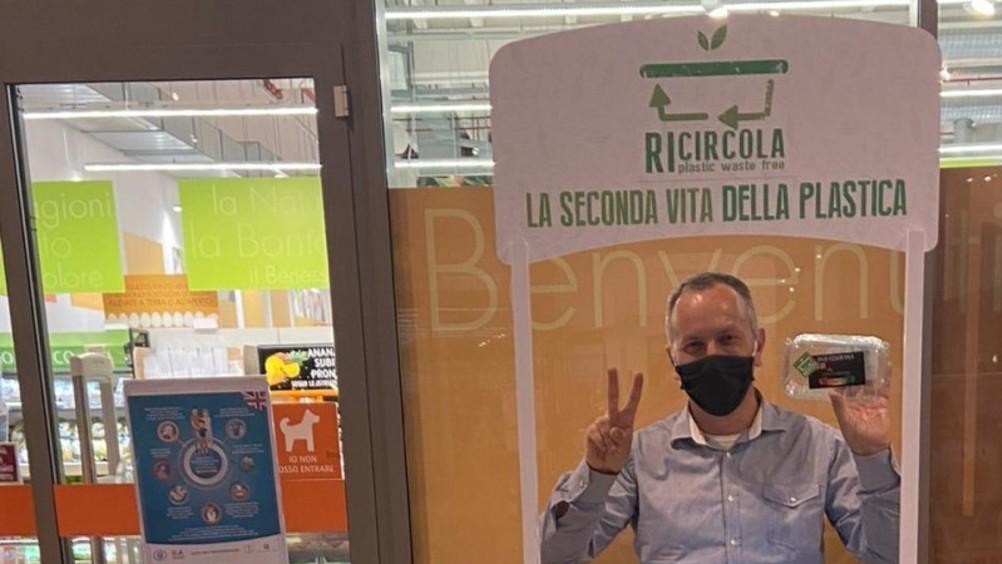 """""""Ricircola"""", un innovativo progetto di economia circolare sulle vaschette alimentari di plastica"""