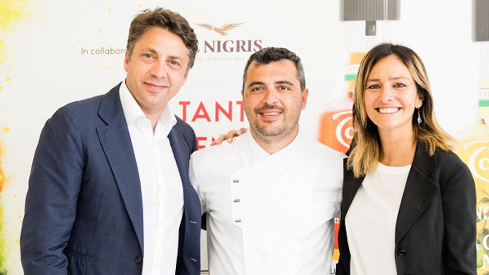 Luca de Nigris, AD Gruppo De Nigris, lo chef Paolo Marinucci, Barbara Cavicchia, Marketing Food&Beverage Director Unilever