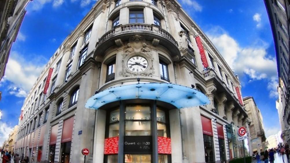0d99235ab2 Galeries Lafayette-La Redoute  un matrimonio (multicanale) da 5