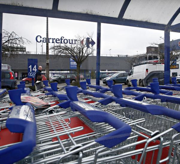 Carrefour: intesa con i sindacati per i 580 esuberi degli iper