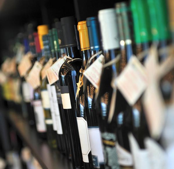 Il vino fa notizia sugli scaffali