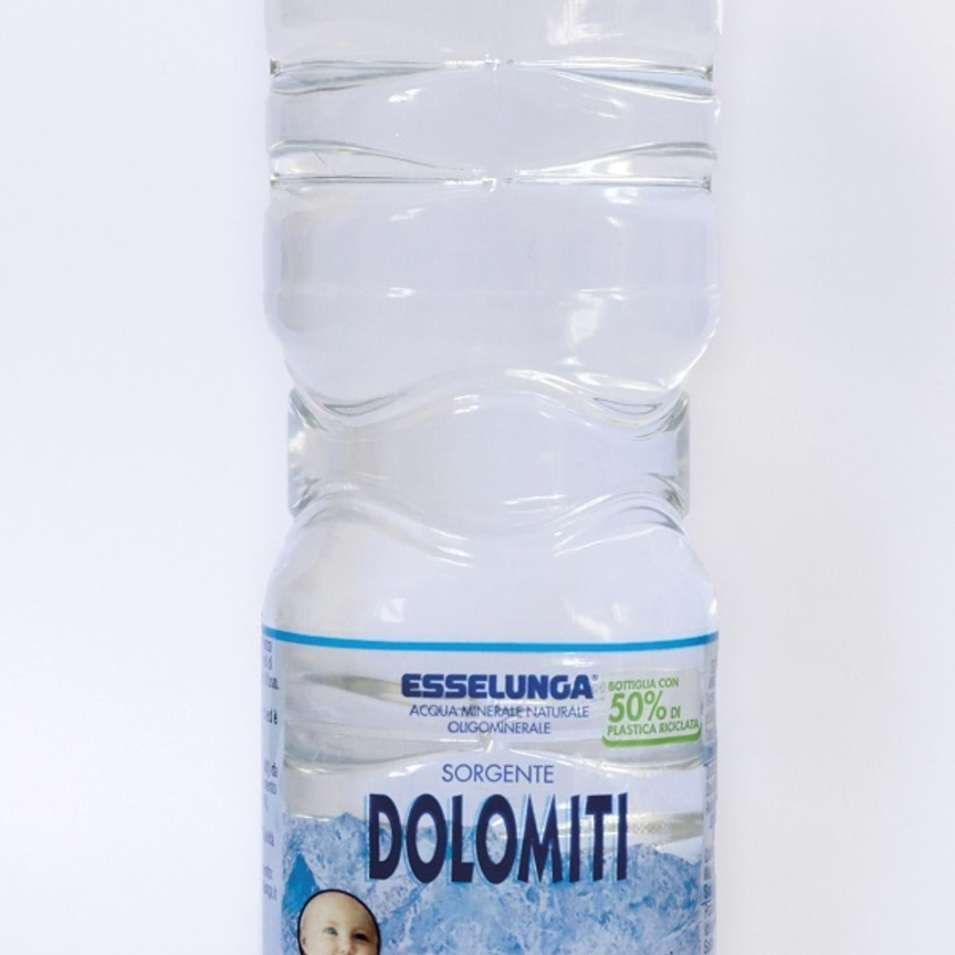 Esselunga, le bottiglie d'acqua a marchio privato diventano sostenibili