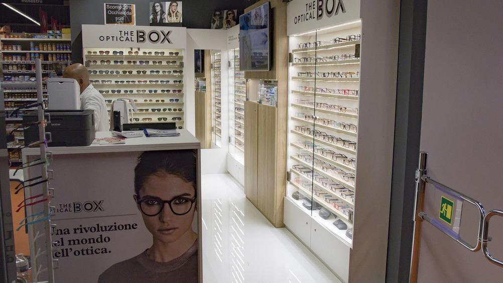Attrazione: l'angolo dell'ottica è un vero negozio