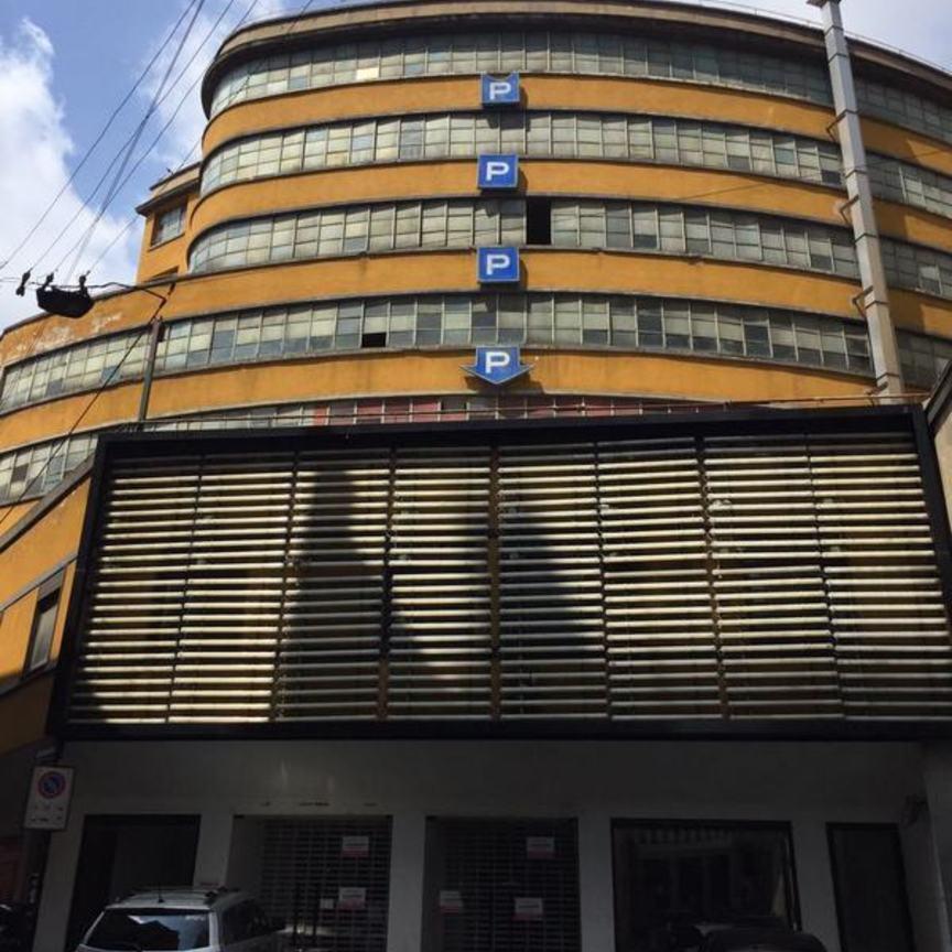 Milano un centro del lusso sorger a due passi da corso for Bloccare i piani di costruzione del garage