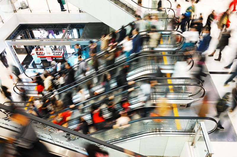Italiani fedeli ai centri commerciali, ma pende l'effetto Green Pass