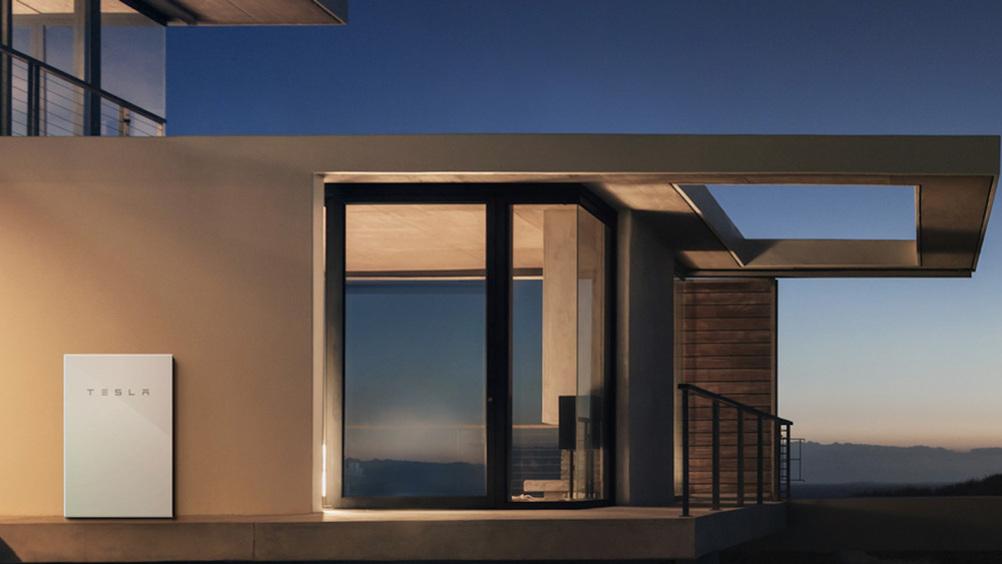 Tesla perfeziona la Powerwall, la batteria ricaricabile domestica