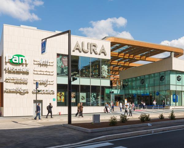 Aura: apre lo shopping center vicino al Vaticano