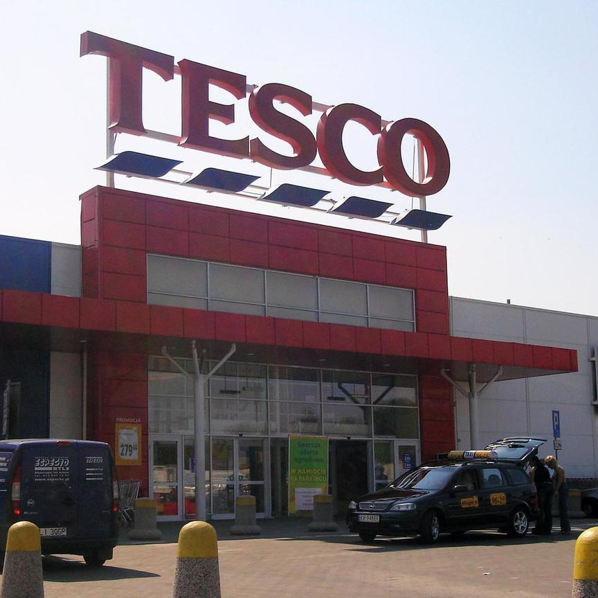 Riflettori puntati su Tesco e Carrefour