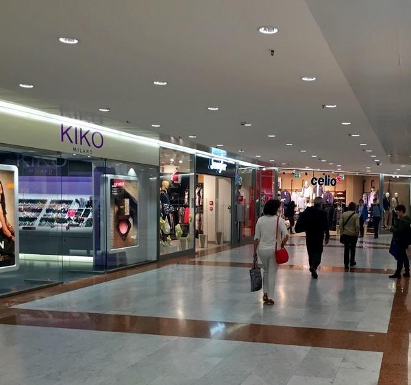 bf82d71b13 Grandi Stazioni Retail (Gsr), la società che gestisce in esclusiva i 14  maggiori scali ferroviari italiani di 11 città - come Roma Termini, Milano  Centrale, ...