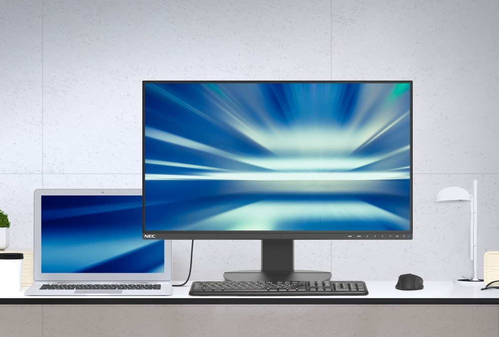Sharp/Nec presenta i nuovi monitor desktop Usb-C one-cable per casa e ufficio