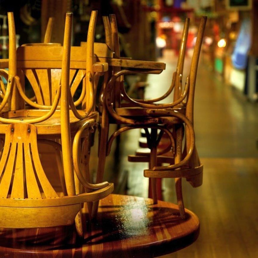 La ristorazione perde le cene e gli aperitivi: -2,7 miliardi