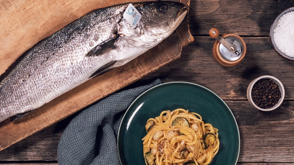"Pancetta o guanciale? Per il Carbonara Day arriva l'alternativa – a base di pesce – ""targata"" Fish from Greece, che #restaacasa con noi"