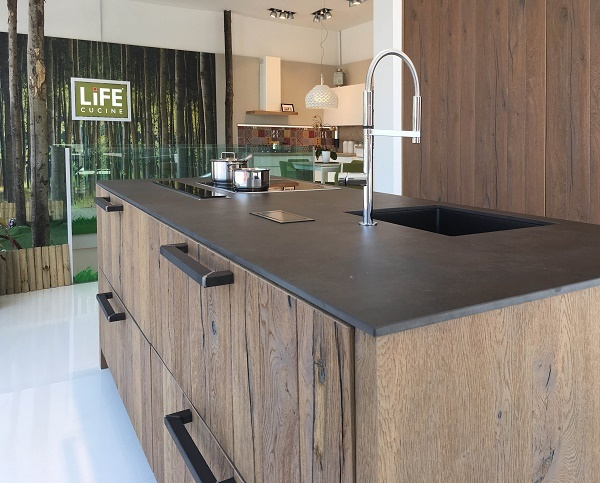 Life cucine a quota sedici negozi in italia distribuzione moderna - Cucine piu vendute in italia ...