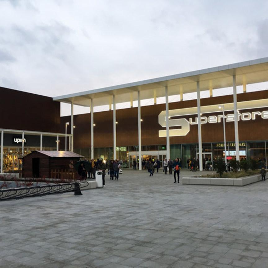 Savills inaugura Triumplina Retail Park