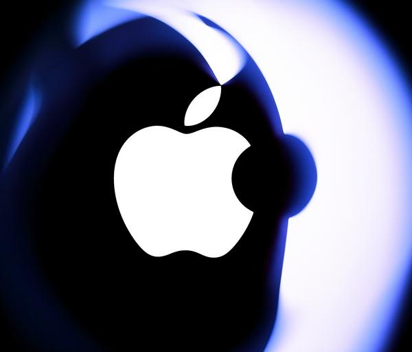 Apple: 'opening soon' nel cuore di Roma