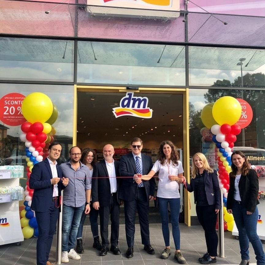 dm drogerie markt si rafforza in Lombardia