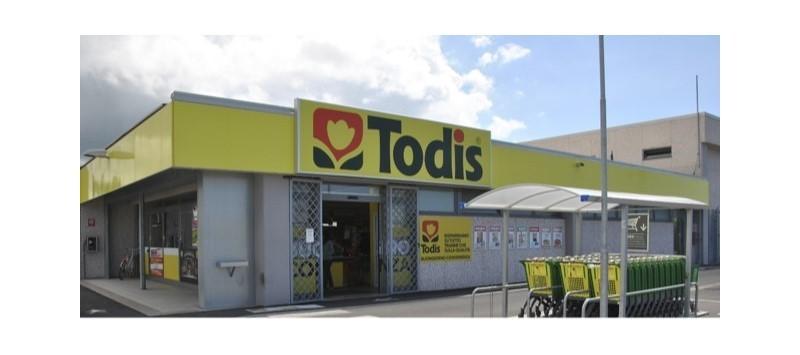 Todis: nuova campagna di comunicazione con Lino Banfi
