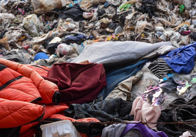 Italia prima nello spreco di vestiti