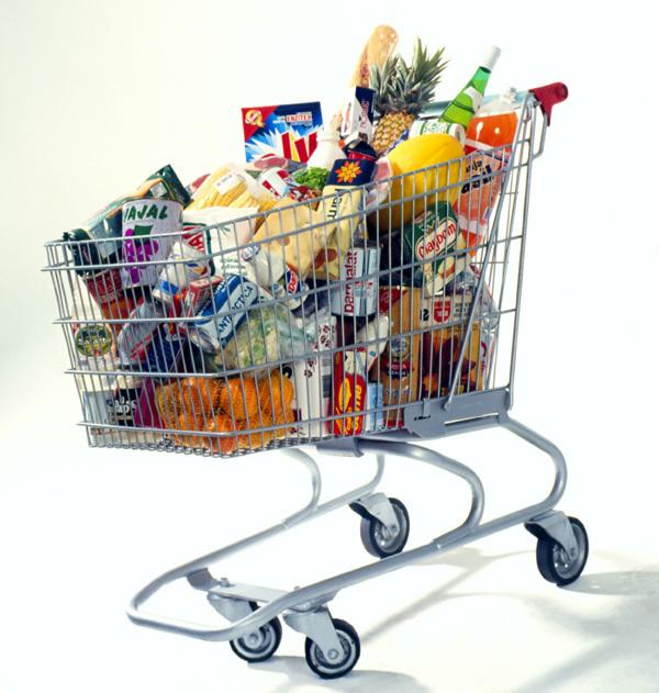 carrello spesa al supermercato